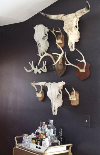 Décoration de bare dans le thème chasse et motard