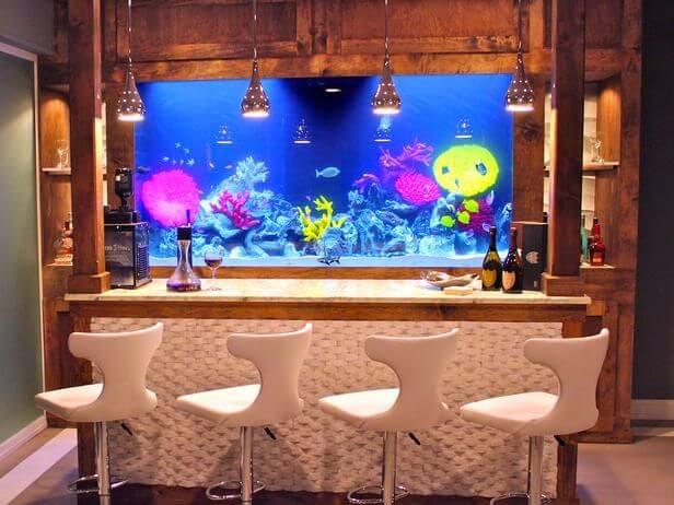 aquarium dans un bar