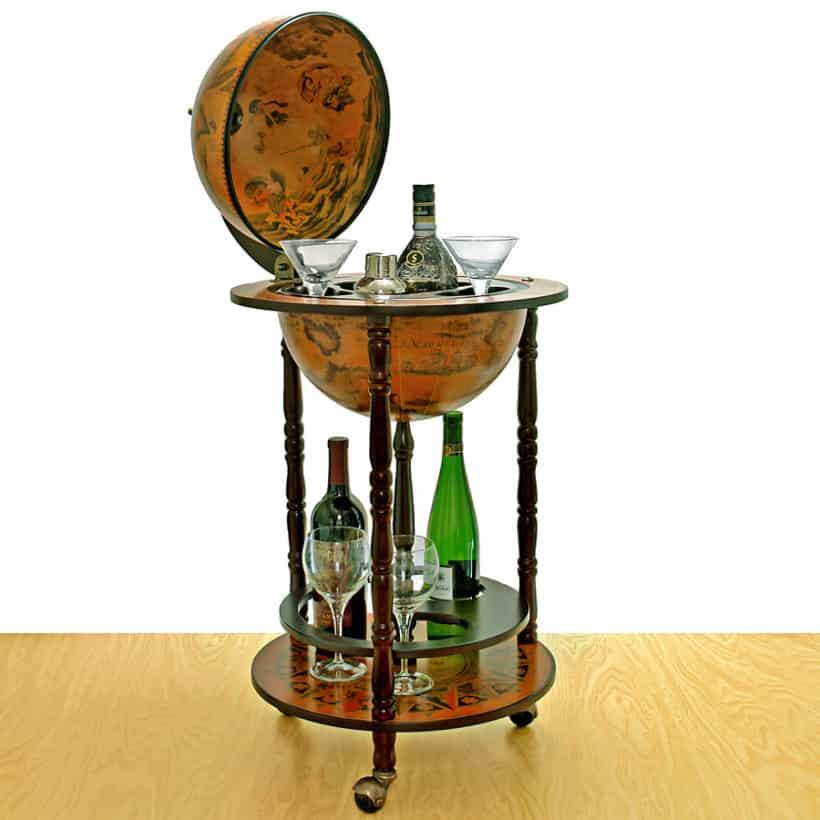 Réplique italienne de la décoration du Globe Bar